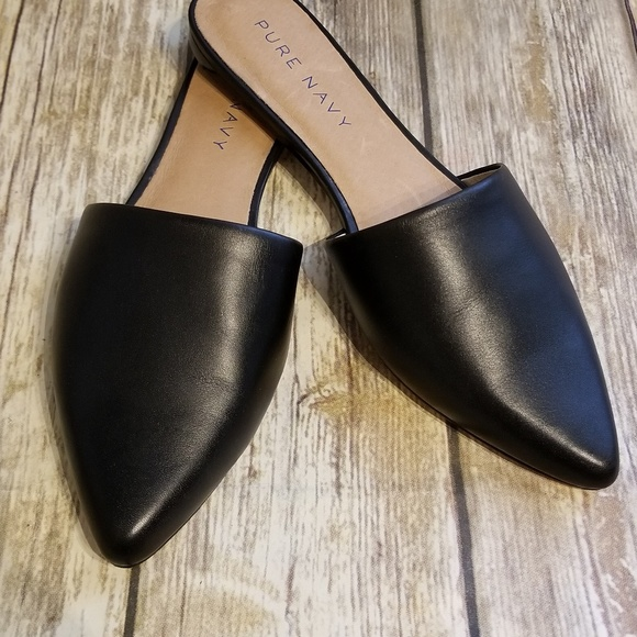 Pure Navy. Womans Leather Slip Ons 8.5 tan